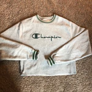 Cropped Champion Crew Neck!